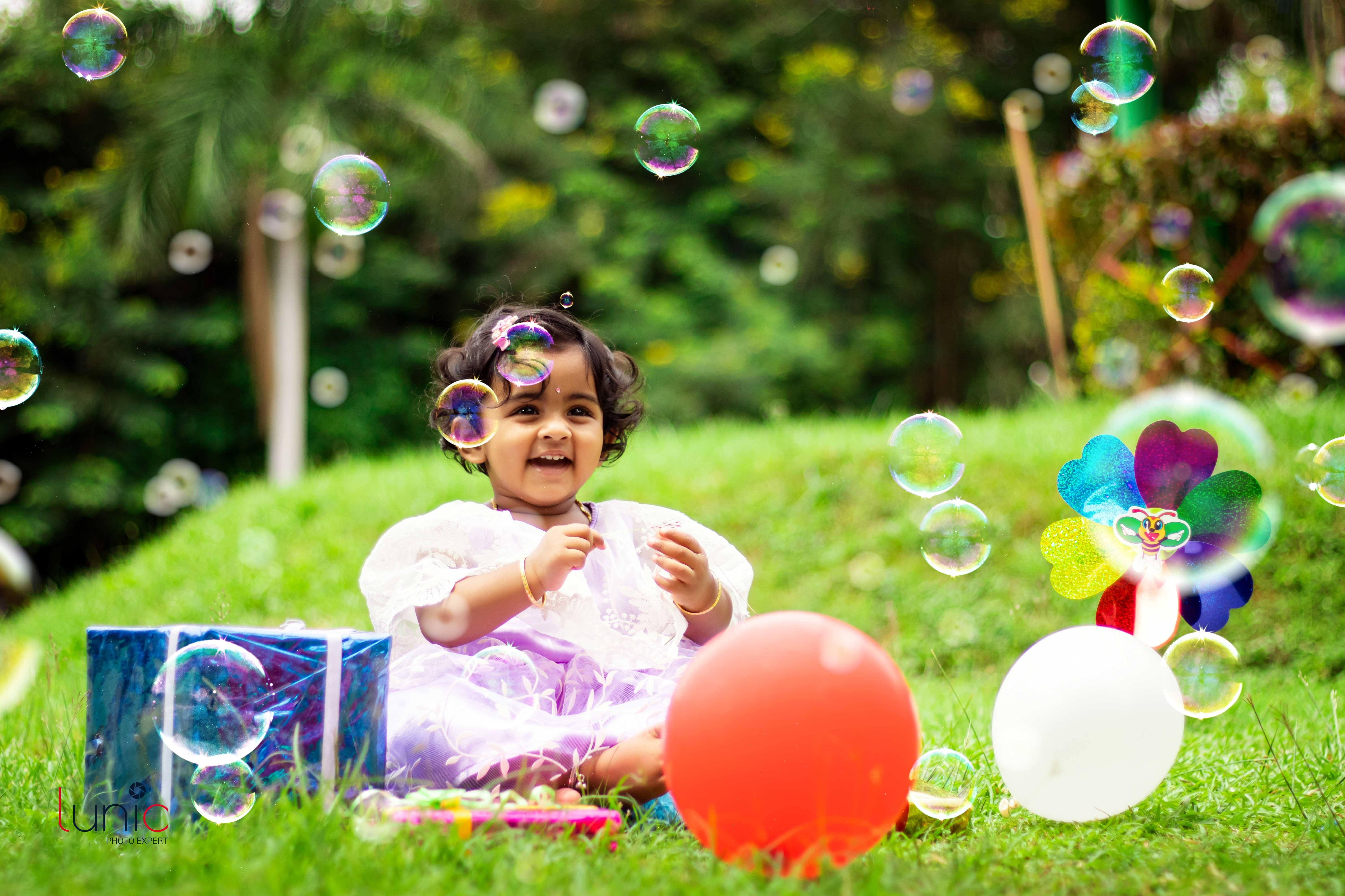cute baby outdoor photography with props images